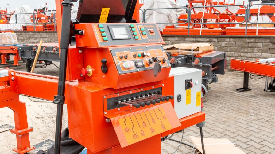 LT70 HEAVY DUTY Remote Operator Station with PLC2 and Super Hydraulics manipulators