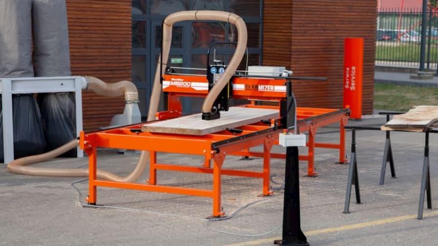 Slab Flattener Wood-Mizer MB200 SlabMizer with sawdust extraction system